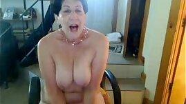 Old whore woman saggy nipple tittys butt slut enjoys singing on cam xvid